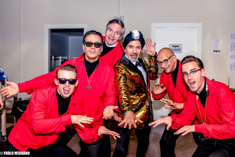 El Vez y MFC Chicken play Sam the Sham en Surforama 2018